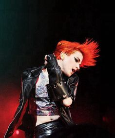Hayley Williams hair may be short but she can still whip it around like flames