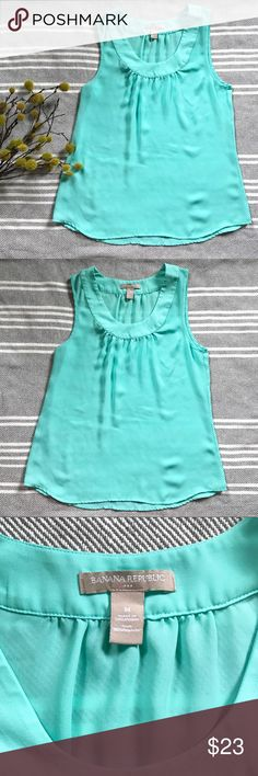NWOT Banana Republic Sleeveless Pool Blue Top NWOT Banana Republic Sleeveless Pool Blue Top Size Medium See pictures for measurements! 🙂 Banana Republic Tops