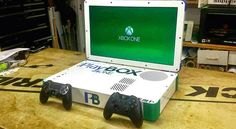 PlayBox - consola duala ce combina PS4 si Xbox One