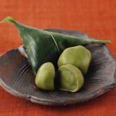Kyoto-Fu manju / 京都-生麩まんじゅう Japanese Sweets, Japanese Food, Traditional Japanese, Japan Cake, A Food, Food And Drink, Green Tea Ice Cream, Green Tea Recipes, Matcha Smoothie