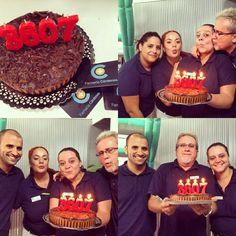 Farmacia Cárdenes en C/Juan Manuel Durán Las Palmas de Gran Canaria superando todos los retos! Y celebrandolos! Birthday Cake, Desserts, Food, Pharmacy, Palmas, Birthday Cakes, Meal, Deserts, Essen