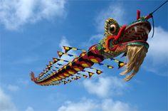 Visit Long Beach, Washington for the World Kite Festival and Museum Go Fly A Kite, Kite Flying, Washington Beaches, Washington State, Air Balloon, Balloons, Chinese Kites, Dragon Kite, Kites Craft