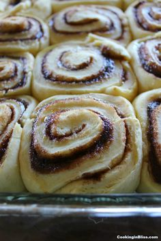 If you love Cinnabon Cinnamon Rolls, you're going to love this Copycat Cinnabon Recipe. It's easy to make and is even better than the ones you get at Cinnabon! They're the best homemade cinnamon rolls you'll ever make or eat! Cinnabon Cinnamon Rolls, Best Cinnamon Rolls, Homemade Cinnamon Rolls, Cinnamon Twists, Cinnamon Recipes, Cinnamon Bread, Apple Cinnamon, Homemade Breads, Copycat Cinnabon Recipe
