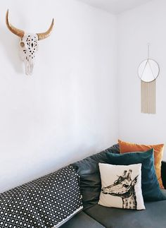 😍 Loving this simple boho space including our filigree carved bison skull. Skull Head, Cow Skull, Buffalo Skull, Strong Nails, Faux Taxidermy, Bison, Custom Paint, Horns, Filigree