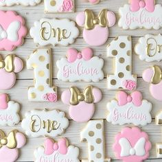 First Birthday Cookies, 1st Birthday Cake Topper, 1st Birthday Party For Girls, Girl Birthday Decorations, Baby Birthday Cakes, Birthday Ideas, Minnie Mouse Cookies, Minnie Mouse Birthday Cakes, Minnie Mouse Baby Shower