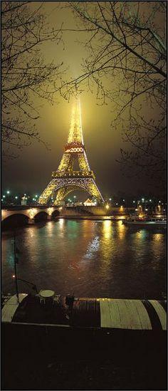 Eiffel Tower, Paris. Via @devalera. #Paris #EiffelTower