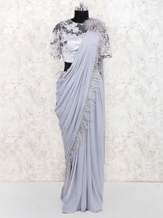 Party dress for women wedding fun 25 ideas for 2020 Chiffon Saree Party Wear, Fancy Sarees Party Wear, Saree Designs Party Wear, Designer Party Wear Dresses, Kerala Saree Blouse Designs, Half Saree Designs, Saree Blouse Patterns, Indian Fashion Dresses, Dress Indian Style