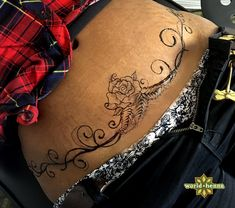 Resultado de imagen para tummy tuck scar cover tattoo , section of information related to. Tummy Tuck Scar Tattoo, Scars Tattoo Cover Up, Tummy Tuck Scars, Tattoo Hip, Fan Tattoo, Lower Stomach Tattoos For Women, Lower Belly Tattoos, Waist Tattoos, Tasteful Tattoos