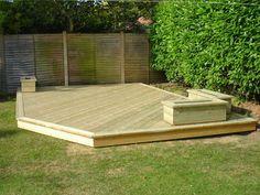 Simple deck design on backyard