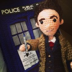 12 doctor PATTERNS ONLY! This is a set of 14 crochet patterns to make all twelve doctors who time travel, plus more! Included is a pattern for a big blue police box suitable for time travel Crochet Doll Pattern, Crochet Patterns Amigurumi, Amigurumi Doll, Crochet Toys, Crochet Things, Knitting Patterns, Doctor Who Crochet, Doctor Who Craft, Tenth Doctor