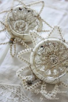 Christmas 2013 ~ Old Christmas ornaments with chenille My little white home by Nadine