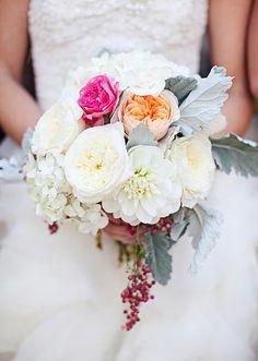 """Casamento """"à portuguesa"""" realizado na Califórnia (E.U.A) - Buquê que mistura flores e frutas!"""