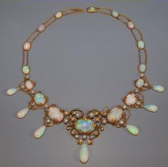 This is the most beautiful necklace I have ever seen. Owned by Elsie de Wolfe in the early 1900s. #jewelrynecklaces
