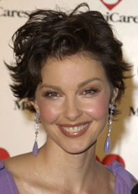 ashley judd hairstyles | Ashley Judd - the Fashion Spot
