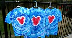 Planning a trip to a Disney Park?  Make a set of these Mickey Head Tie Dye shirts for your whole group & stand out from the crowd!   This fun project will make for some wonderful photos at the parks as well. A few tips before you begin: *Choose tshirts that are 100% cotton.  Synthetic blend …