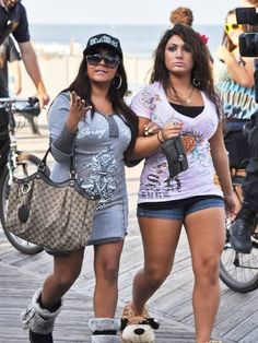 Free pictures of snooki upskirt
