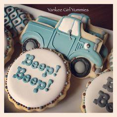 Little Blue Truck cookies // Yankee Girl Yummies Car Cookies, Fancy Cookies, Cupcake Cookies, Cookies Et Biscuits, Tates Cookies, Baby Shower Cookies, Baby Shower Favors, Truck Cakes, Little Blue Trucks