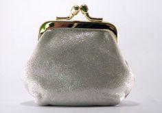 Petit porte-monnaie cuir glitter 10,00 € http://www.laboutiquedelouise.com