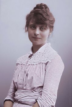 Marie Krøyer Alfvén (née Triepcke, 1867-1940) was a Danish impressionist painter and interior designer.Photographed by Sofus Christensen in 1880's, colorized by painters-in-color