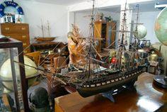 http://www.la-timonerie-antiquites.com/fr/antique/1128/grande-maquette-artisanale-du-voilier-l-039-uss-constitution