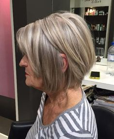 Ash Blonde Layered Bob For Women Over 60 - Hairstyles - Cheveux Short White Hair, Short Grey Hair, Short Hair Cuts, Short Hair Styles, Natural Hair Styles, Natural Beauty, Over 60 Hairstyles, Hairstyles Haircuts, Cool Hairstyles
