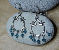 """Boucles d'oreilles """"Love birds"""" perle en cristal Swarovski : Boucles d'oreille par c-est-pas-madame-c-est-mademoiselle"""