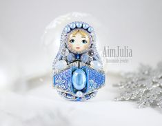 Brooch matryoshka! In two versions! You can choose blonde or brunette! Brooches embroidered with beads, pearls and crystals from Swarovski! The reverse side of genuine leather of white color