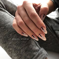 30 Minimalist Nail Art Ideas That Are Anything but Boring Nail Design Stiletto, Nail Design Glitter, Almond Nails Designs, Minimalist Nails, Square Nails, Nude Nails, Creative Nails, Perfect Nails, Winter Nails