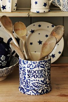 Use this smart jar for wooden spoons, ladles and all those other utensils that are useful to have close at hand - you'll never have to scrabble about in the cutlery drawer at a vital moment again. #EmmaBridgewater #BlueWallpaper #Utensils #Kitchen
