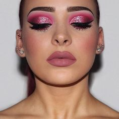 Valentine's Day Inspired ⠀⠀⠀⠀⠀⠀⠀⠀⠀⠀⠀⠀⠀⠀⠀⠀⠀⠀⠀⠀⠀⠀⠀⠀⠀⠀⠀⠀⠀⠀⠀⠀⠀⠀⠀ PRODUCTS •Primer: @australiscosmetics - Make-up Primer Spritz •Foundation: @hudabeauty @shophudabeauty - Faux Filter (Chai) •Concealer: @morphebrushes - (Sand) •Setting Powder: @hourglasscosmetics - Ambient Lighting Powder (Ethereal Light) •Contour/Bronzer: @nyxcosmetics @nyxcosmetics_australia - Highlight & Contour Pro Palette ⠀⠀⠀⠀⠀⠀⠀⠀⠀⠀⠀⠀ ⠀⠀⠀⠀⠀⠀⠀⠀⠀⠀⠀⠀⠀⠀⠀ •Blush: @sigmabeauty - Aura Powder (Nymphaea) ✨Use code 'KATIE10' for 10%…