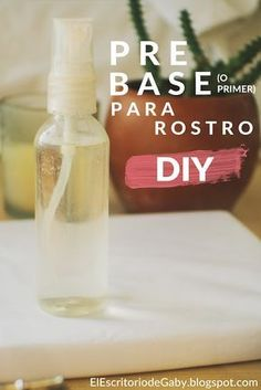PRE-BASE DE MAQUILLAJE CON 3 INGREDIENTES Pre base or DIY homemade face primer for before makeup. It only has three ingredients: Glycerin, orange blossom water or rose water and distilled / purified water. Make Natural, Natural Beauty Tips, Natural Makeup, Beauty Tips For Skin, Organic Makeup, Beauty Tricks, Natural Hair, Beauty Hacks For Teens, Beauty Tips