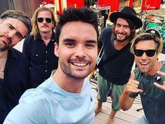 Zijn ze weer! Vanmiddag @kensingtonband op het dakterras, mét nieuwe single What Lies Ahead. 😬😎 Kensington Band, Pilot, Mens Sunglasses, Artists, Instagram, Bands, Photos, Pictures, Pilots