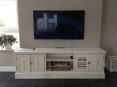 Shutterkast shutters kast tv meubel op maat in landelijke stijl bij MELKA Interieurbouw