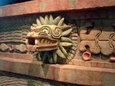 Quetzalcoatl, cabeza de serpiente emplumada 4