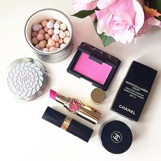 The Flat lay Effect: Why Every Beauty and Fashion Blogger gravitates towards them. Image via stephaniesterjovski.com Image via stephaniesterjovski.com