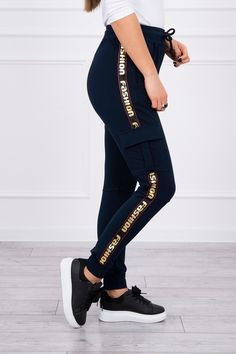 Moderné tepláky s nápismi Fashion Sweatpants, Fashion, Moda, Fashion Styles, Fashion Illustrations