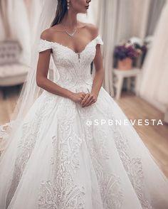 Fluffy Wedding Dress, Lace Wedding, Wedding Dresses, Wedding Stuff, Fashion, Bride Dresses, Moda, Wedding Dress Quilt, Bridal Gowns