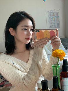 Ulzzang Short Hair, Ulzzang Girl, Cute Korean Girl, Asian Girl, Son Hwamin, Hwa Min, Ethereal Beauty, Pretty Asian, Short Hair Styles