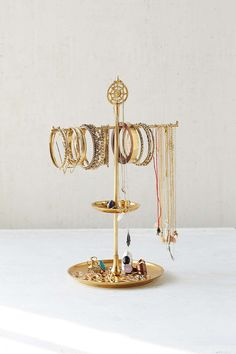 Plum & Bow Medallion Jewelry Stand - Urban Outfitters