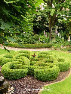 schwerer gusseisen beetzaun beeteinfassung rasenkante gotika rost natur 50cm garden. Black Bedroom Furniture Sets. Home Design Ideas