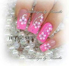 Naildesign by Kamila Achatz Jet Set Beauty training center and nail salon . Pink Nail Art, Flower Nail Art, Cool Nail Art, Fingernail Designs, Toe Nail Designs, Fancy Nails, Pretty Nails, Beautiful Nail Art, Beautiful Nail Designs