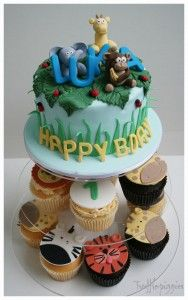 Jungle theme cakes and cupcakes