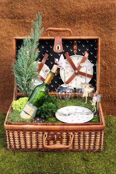 Fairy Garden Picnic Basket + 27 more fairy garden ideas.