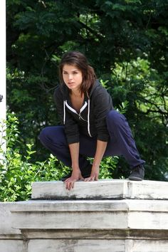 the 100 cast marie avgeropoulos octavia blake stunning stars pinterest the 100 marie. Black Bedroom Furniture Sets. Home Design Ideas