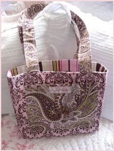 Free tote bag sewing tutorials (with a bunch of different styles linked).