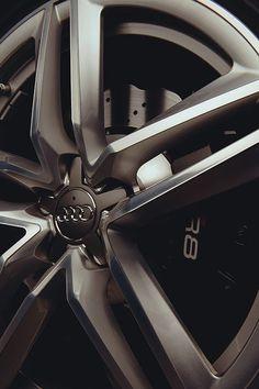 Audi R8 rims.