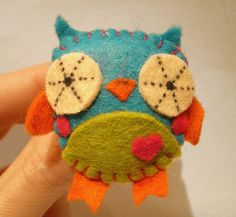 Cute owl, maybe my next hobby will be with felt.