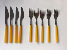 VINTAGE FORKS & KNIVES TAIWAN STAINLESS YELLOW HANDLE - 5 FORKS 4 KNIVES F/S