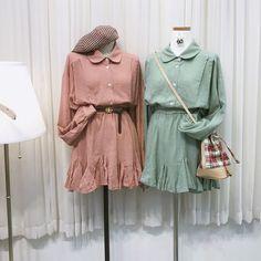 แฟชั่นสไตล์เกาหลี ต้อนรับฤดูใบไม้ร่วง สายเกาต้องเลิฟ Cute Fashion, Fashion Outfits, Fashion Sets, Yuri, Korean Fashion, Rain Jacket, Windbreaker, Raincoat, Cute Outfits