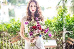 Pretty purple bridal bouquet  | Image by Tati Pinho